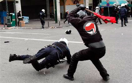 https://libertarianheathendotcom.files.wordpress.com/2016/05/antifa-polizei.jpg?w=542&h=346