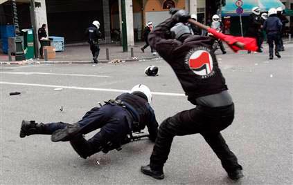 https://libertarianheathendotcom.files.wordpress.com/2016/05/antifa-polizei.jpg?w=748